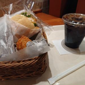 ある日の昼食 ヤマザキ春のパン祭りに参加しました。
