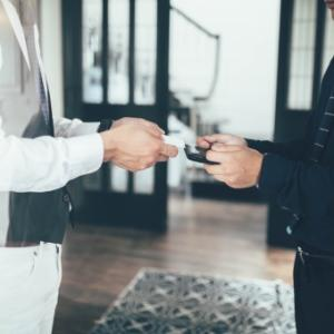 『만나뵙게되서 반갑습니다』と『만나서 반갑습니다』と『만나서 반가워 』(挨拶)