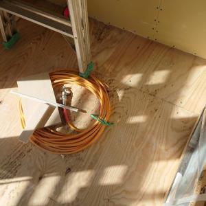 家が出来るまでの振り返り⑧床にカビが生えてるぞ!!!!!!!!家作りは確認がとにかく大事。