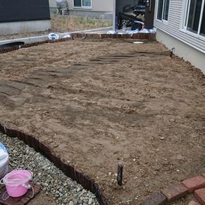 DIYで庭の人工芝張りに挑戦!!その3