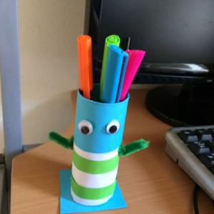 トイレットペーパーの芯で鉛筆立てを手作り!子供と工作しよう
