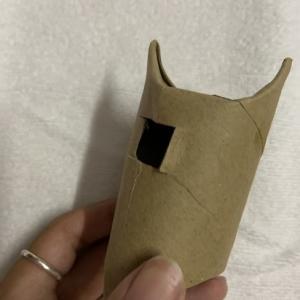 トイレットペーパの芯で猫のおもちゃを手作りしたよ