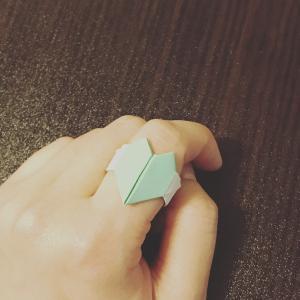 折り紙でハートの指輪の折り方 おしゃれ大好きな女の子に