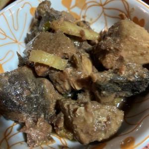 マグロの血合いあらを自分好みの佃煮にして日本酒でいっぱい!