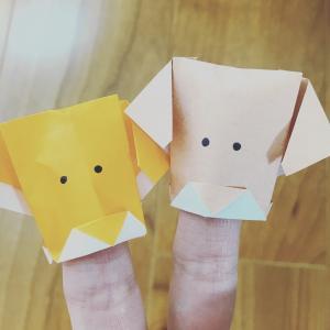 高齢者や幼稚園児にも簡単な折り紙 犬の指人形の折り方