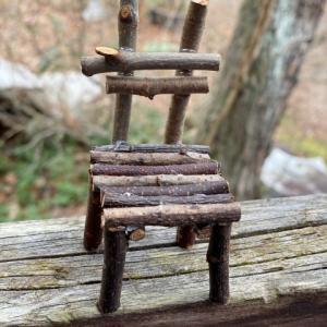 小枝の椅子の作り方