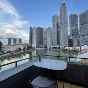 シンガポール川沿いルーフトップバーSOUTH BRIDGEでアペリティフ