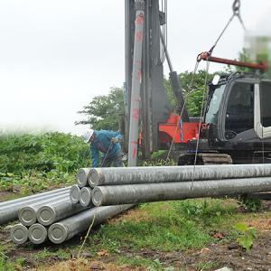 基礎工事(杭打ち)4.5mの杭41本を3時間で土地に打ち込みました