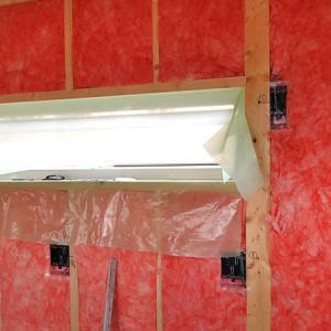 壁は室外側7重、室内側3重構造、その制作過程をご紹介(室内側編)グラスウールの防湿シートがポイントです