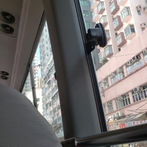 ミニバス(緑)の車窓から