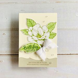 白いマグノリアの花が美しい爽やかエレガントな誕生日カード♡