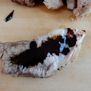キャンプ飯 豚ロースの塩釜焼
