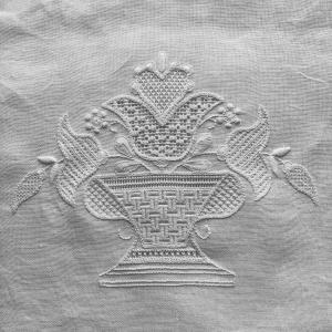 シュバルム刺繍