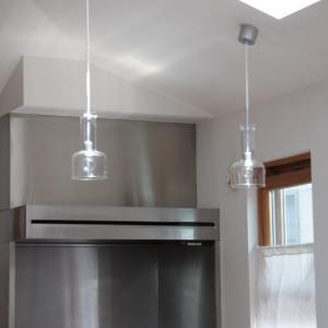 [キッチンの照明]ガラスのペンダントライトを掃除しました