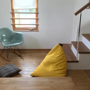 [狭小住宅のリビング]ソファの代わりに買ったもの