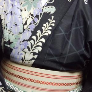 藤の柄の着物コーデ