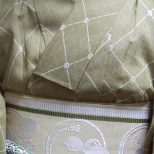 山葵色の小紋コーデ