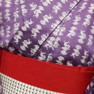 藤色の小紋コーデ