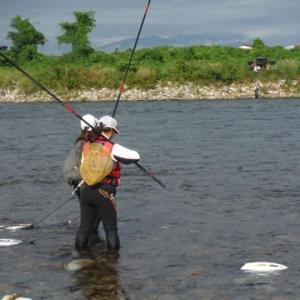 23センチを頭に釣友と2人でアユ30匹ゲット!! 三重 大内山川