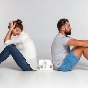 あなたの夫婦は大丈夫?離婚しやすい夫婦の特徴を紹介します。