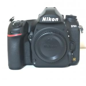 新しいカメラを買いました