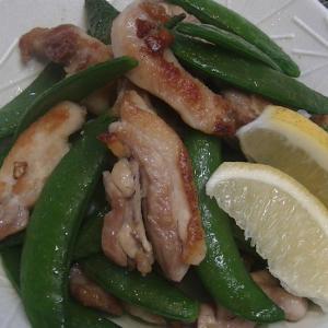 鶏もも肉とスナップエンドウの さっぱり炒め 簡単に作っちゃお(^^♪