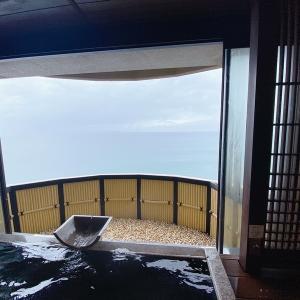 風の薫UMI(伊東)の宿泊記③貸切露天風呂と漫画ラウンジ紹介