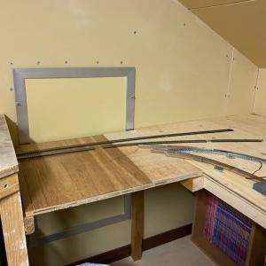屋根裏紀南線・土台作りとKATO新製品