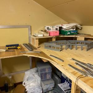 屋根裏紀南線14・勾配線からのアプローチと新製品案内