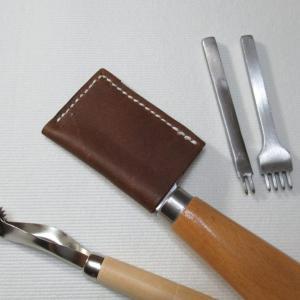 革工芸①  習うより慣れろで初めての革小物