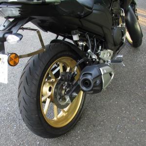 インド生産バイクのサリーガードを外してみた ヤマハFZS25