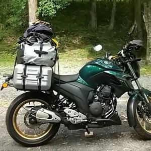 キャンプツーリング用品 突然の大雨でも安心の大型ドラムバッグ