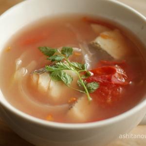 鱈とトマトとたまねぎのスープのレシピ・作り方