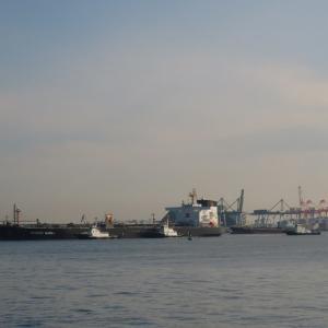 LNG Tanker AL ZUBARAHさんとVLCC新生丸さん