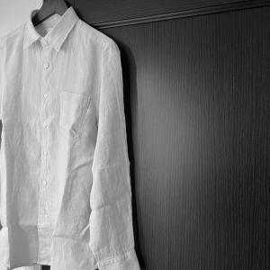 ユニクロのプレミアムリネンシャツが優秀だったのでご紹介。