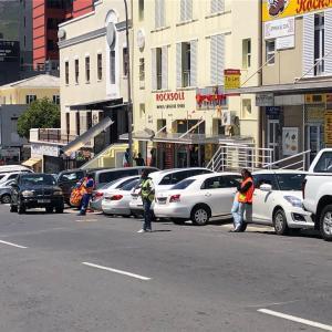 【南アフリカ】ケープタウン旅行記④ 3日目 治安の悪い駅前で強盗被害に遭う 安全対策と注意事項