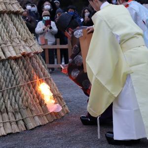 【YouTube 更新】鎌倉殿の八幡様。早朝お焚き上げの炎で若返る。