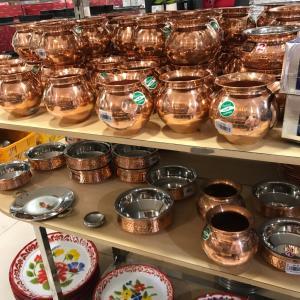 ムスタファセンターの穴場②インド食器や文房具、クリスマスグッズも