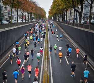 【画像】マラソン大会をマスクで!なぜ中止にしない?参加者は体調悪くなりたい?