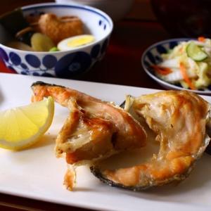 夕食(鮭カマ塩焼き)