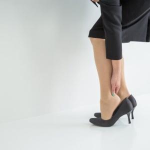 現役就活生の8割「就活靴で靴擦れの経験あり」 「水ぶくれができた」「血が出た」という人も