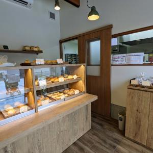 国産小麦100%の焼きてたパンを!7/27にオープンした『パン工房ささき』に行ってきました / 大津市