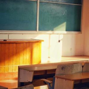 2月の試験時の教室と、母の行動