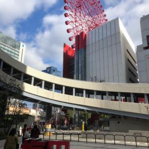 大阪に来ています・・・大阪駅前にスカイウォーク(横断歩道橋)が完成しました ずいぶん便利になりました