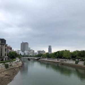 広島市の今日は雨模様・・・久々の雨に、樹々が待ち望んでいるようです・・・秋雨を楽しむ日
