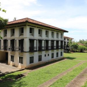 ■ Geoffrey Bawa (ジェフリー・バワ)の美学にふれるスリランカの旅 6日目 ルフナ大学