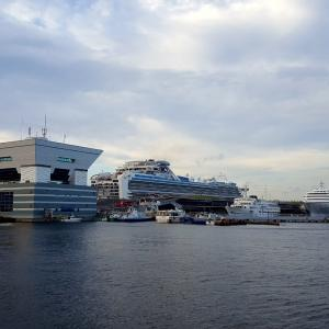 マリン&ウォークでティータイム 「インターコンチネンタル横浜Pier8」を発見!