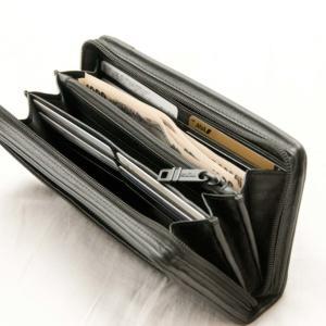 TUMI トラベルウォレット 19277「長財布」購入レビュー(1年使った感想)