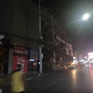 プーケット閉鎖中の夜の街パトンビーチバングラロードを深夜12時に散策してみました。立ちんぼもいない夜の街
