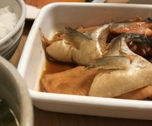 鮭のあら煮定食を作る